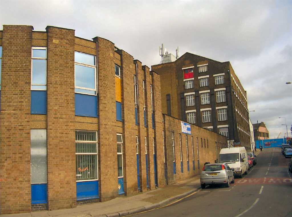 commercial property - Unit 5 Queens Yard  Hackney, London E9 5EN