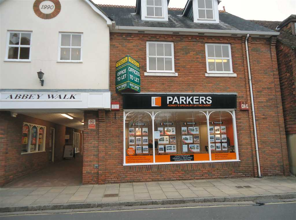 commercial property - Unit 3 Abbey Walk Church Street Romsey, Hampshire SO51 8BT