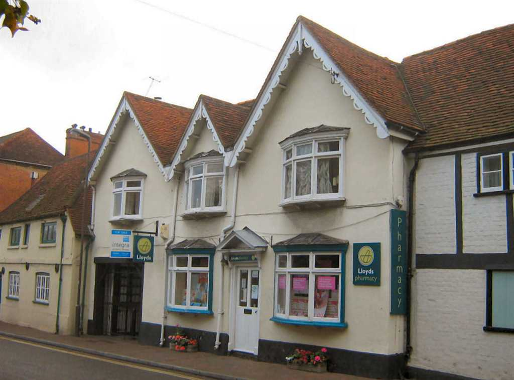 commercial property - Churchfarm Courtyard High Street Chalfont St Giles, Buckinghamshire HP8 4QH