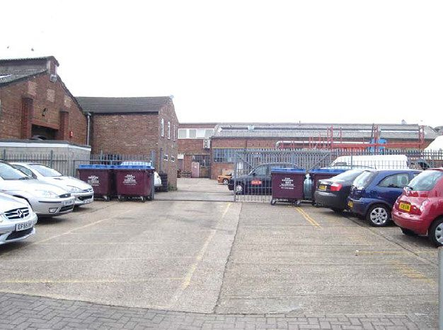 commercial property - Units B2 Holly Street Business Park Union Street Luton, Bedfordshire LU1 3AN