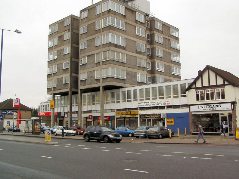 commercial property - Rex House (3) 29/45 Hampton Road West Hanworth, Middlesex TW13 6AP